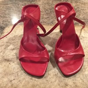 Kenneth Cole Red ankle wrap wedge sandal. 7 1/2M